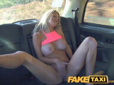 Sienna Day Fake Taxi